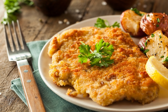 how to make chicken schnitzel