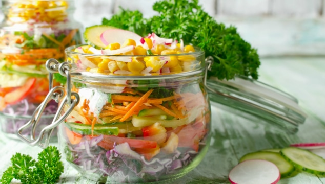 6 common-sense Alternatives To Using Cling Wrap for the eco-conscious