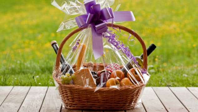how to make a personalised gift hampers for any occasion