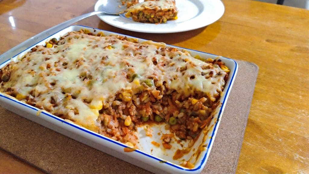 mince bake with cheese cooked