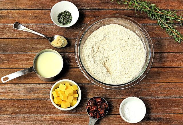 rosemary olive damper ingredients