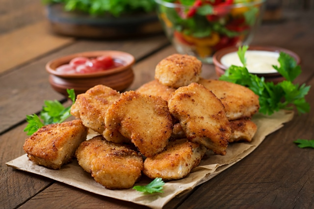 homemade chicken nuggets with hidden vegetables {kid friendly & freezer friendly}