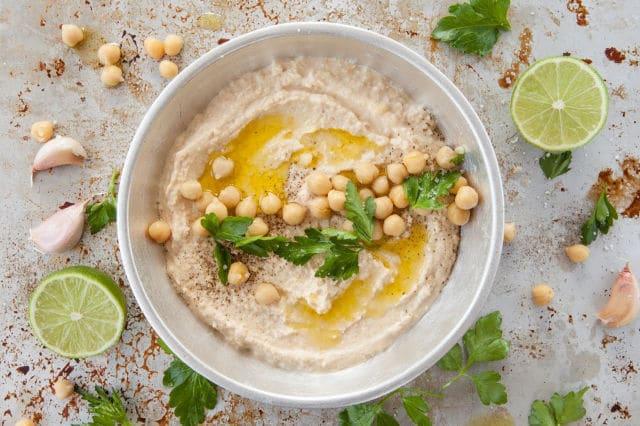 The Best Easy Homemade Hummus