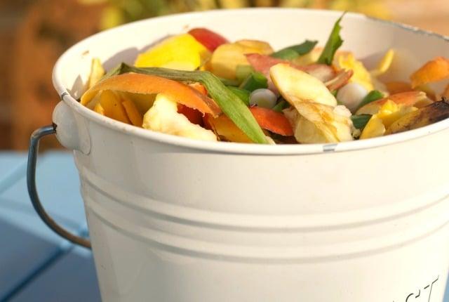 DIY small space compost bin