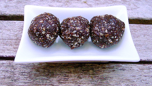 chocolate nut bliss balls