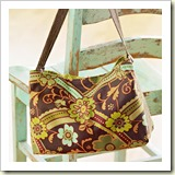 Bag with removable pouch from BHG | 45 Awesome Free Bag Tutorials | Frugal and Thriving
