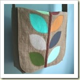 Basic Messenger Bag from MMM Crafts | 45 Awesome Free Bag Tutorials | Frugal and Thriving