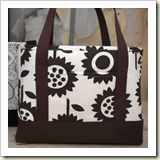 Sophisticated Tote Bag from JCaroline Creative | 45 Awesome Free Bag Tutorials | Frugal and Thriving