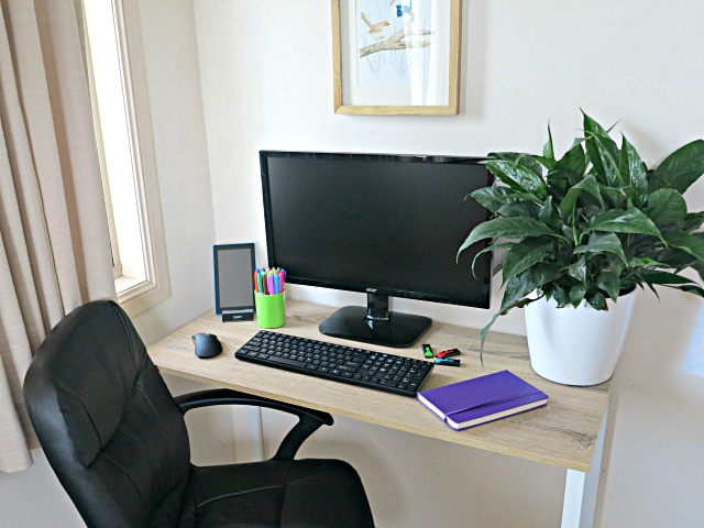 How to create a home office on a budget and in a small space - Creating a small home office ...
