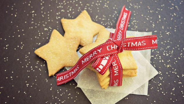 Easy Frugal Shortbread Recipe for Homemade Christmas Gifts