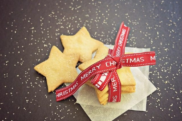 Easy Shortbread Recipe for Homemade Christmas Gifts