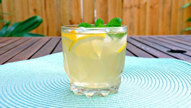 Homemade Old-Fashioned Lemonade to Quench Your Summer Thirst