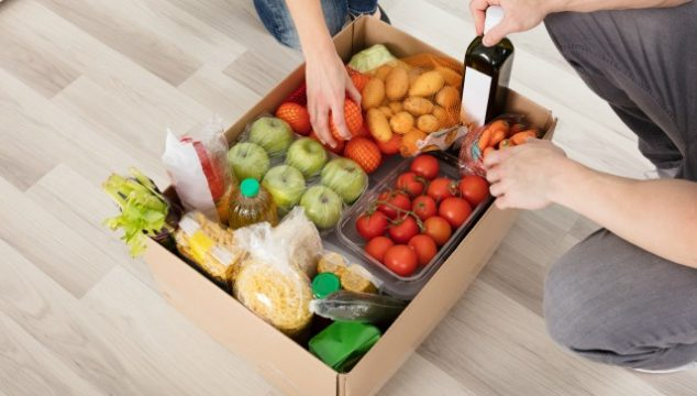 The Pros and Cons of Buying Groceries Online and Tips to Save Money