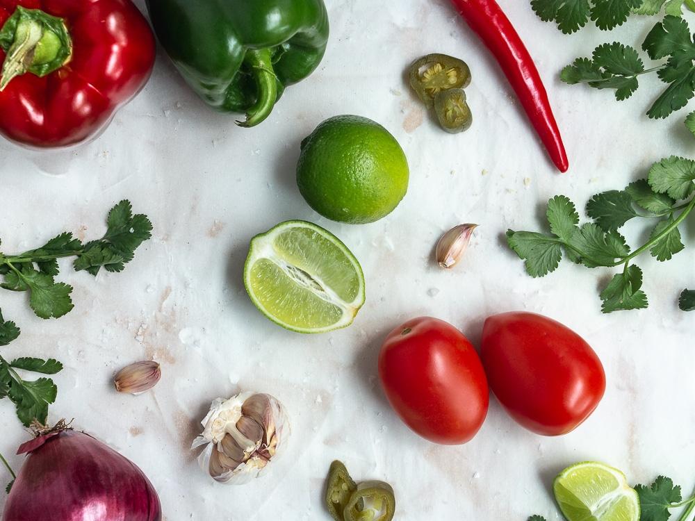 fresh tomato salsa ingredients