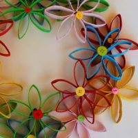 Tutorial -Flower Wreath Made From Toilet Paper Rolls