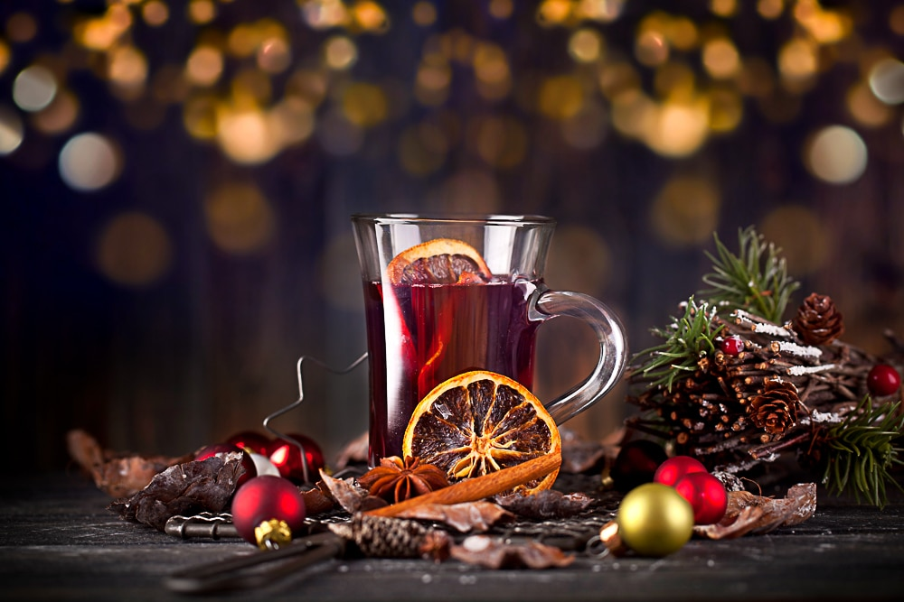 simple christmas drink and natural decoration for when you're broke