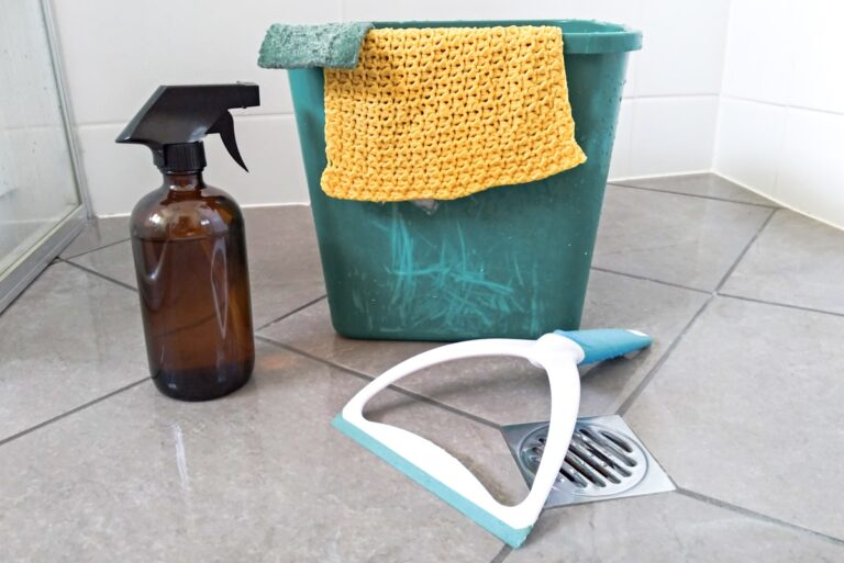 This One Tip Will Help You Clean the Shower With Barely Any Water